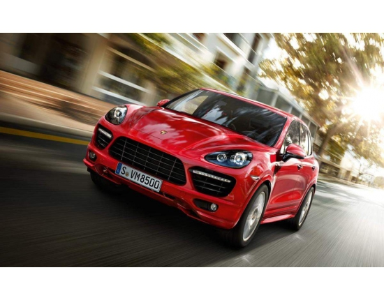 Photo officielle porsche macan 1