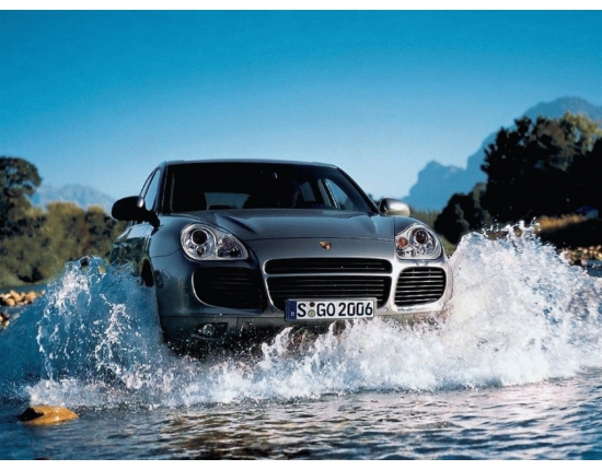Photo officielle porsche macan 4