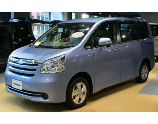 Photo toyota noah 2
