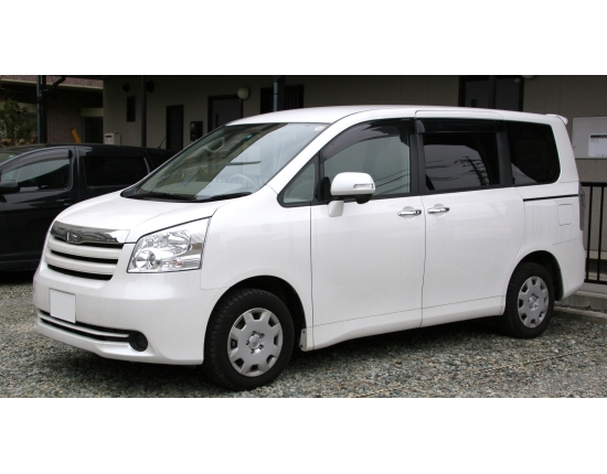 Photo toyota noah 4