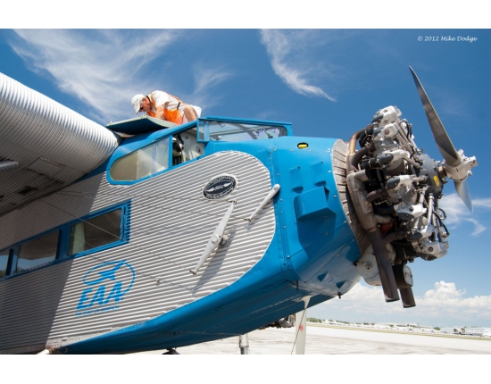 Ford tri motor photo 3