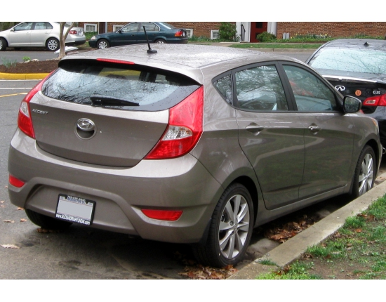 ���� hyundai accent hatchback