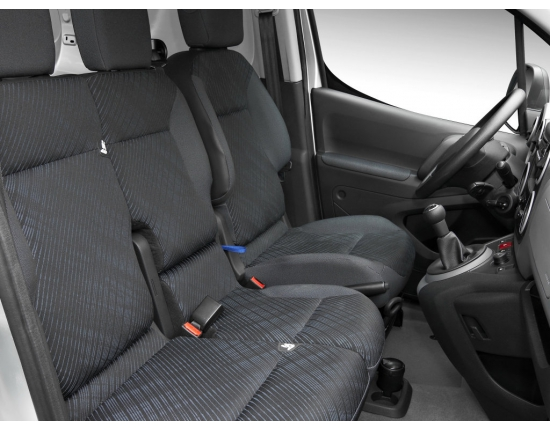 Photo interieur peugeot partner 3