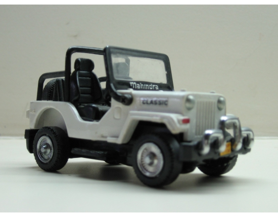 Photo mahindra jeep 2