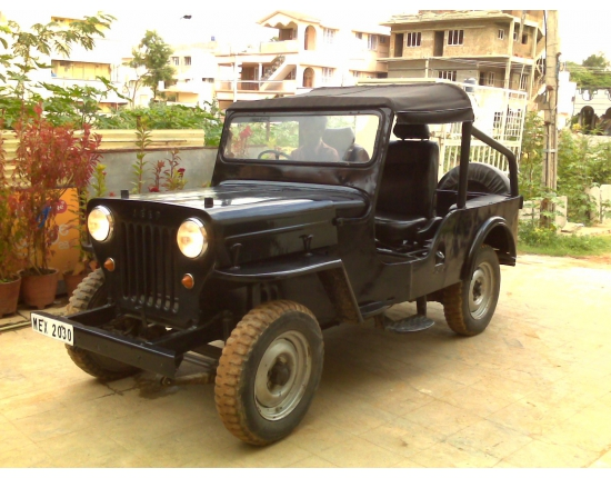 Photo mahindra jeep 4