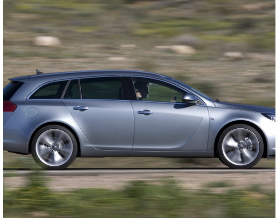 Фото opel insignia sports tourer 3