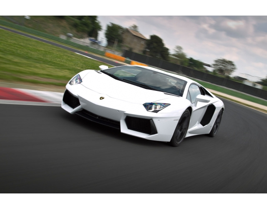 Photo lamborghini aventador lp700-4 2