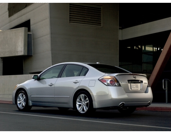 Photo of nissan altima 2