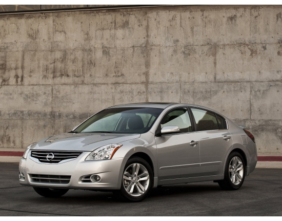 Photo of nissan altima 3