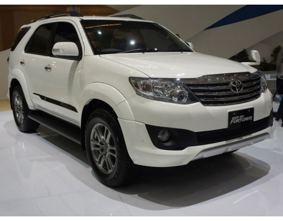 Photo mobil toyota fortuner 4