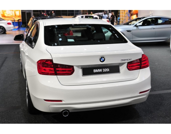 Photo of bmw 320i