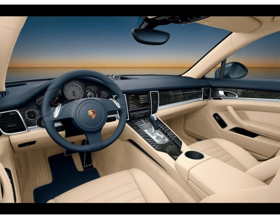 Photo interieur porsche panamera 4