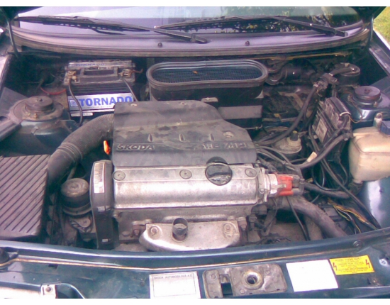 Photo moteur skoda felicia