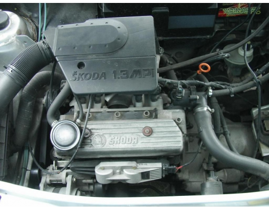 Photo moteur skoda felicia 2