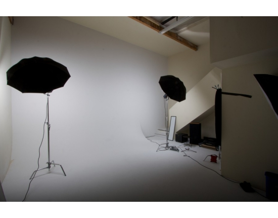Photo studio infinity wall